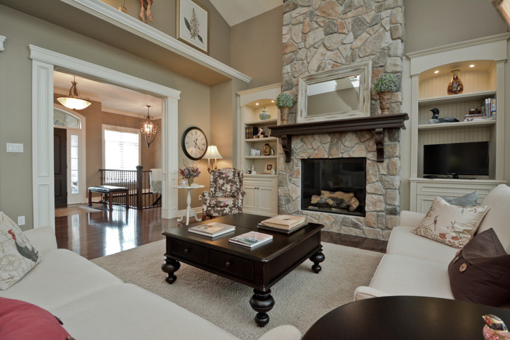 Traditional Great Room with Built-In