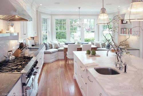 Bright White Kitchen w/Ample Storage and Symmetry/Flow