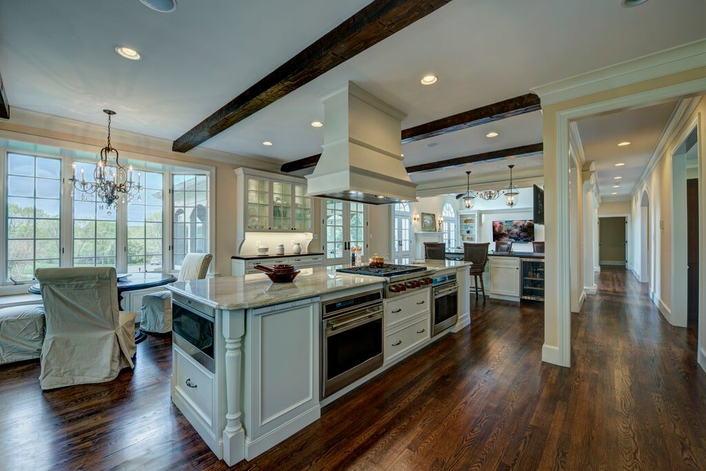 Kitchen/Breakfast Area After Renovation