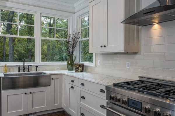 6836fd299f777729a250feddf5098f5a_kitchenwindows-940-464-c@2x
