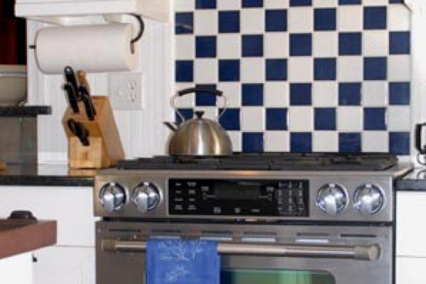 b4e3d0d5f54b78f10b4006c2b1fa5519_08-Eddy-Scandling-Kitchen-8-21-08-012-940-464-c@2x